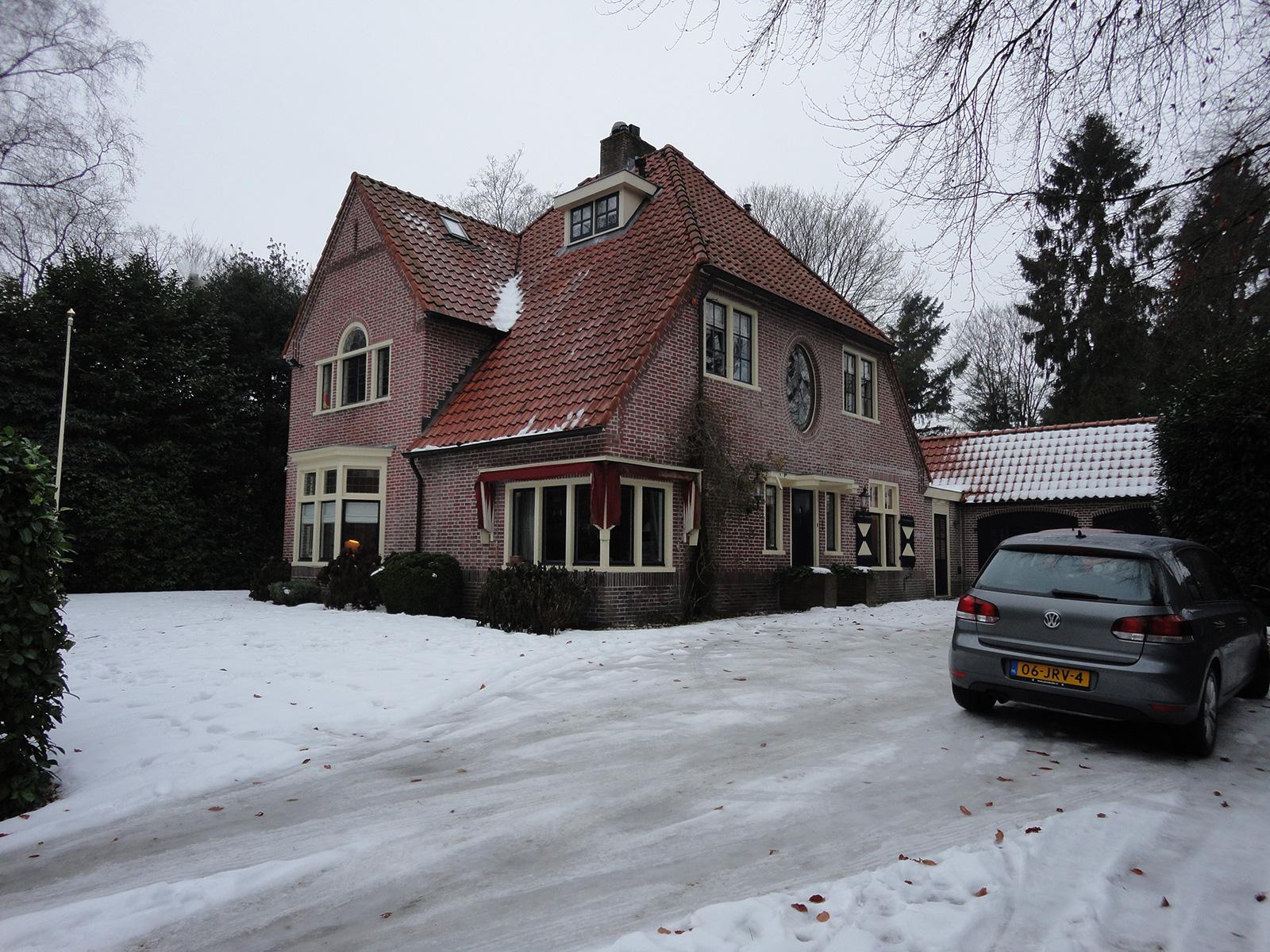 Garage Met Veranda : Ruime bungalow met veranda en garage chantal verkoop verhuur